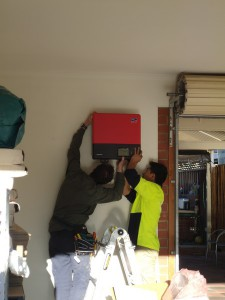 Mounting the SunnyBoy Inverter on the Wall