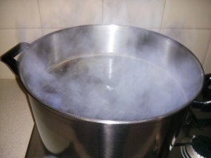 Boiling wort in my new 15L brew pot (thanks Kath :))